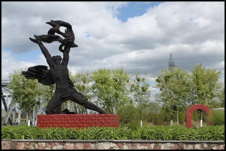 Памятник Прометею ЧАЭС