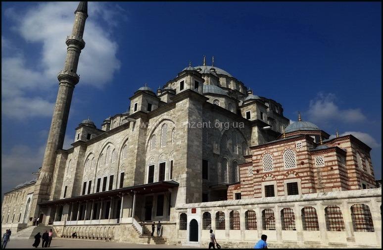 Fatih Camii - достопримечательности Istanbul