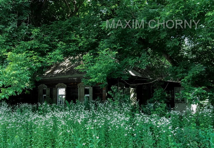 Chernobyl today - Abandoned building in Chernobyl city
