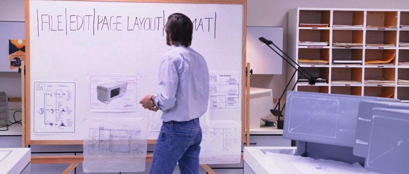 Фильм про Стива Джобса - внимание к фшритам