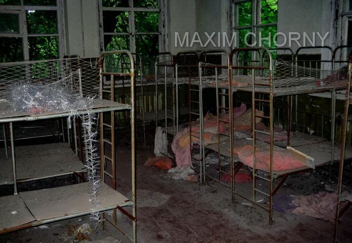 Former living-room in abandoned Kopachi kinder-garden