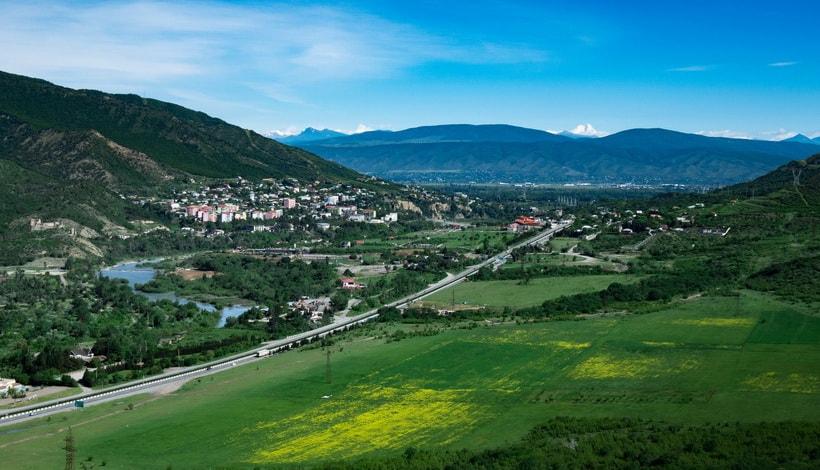 Грузия интересные места - долина под храмом Джвари