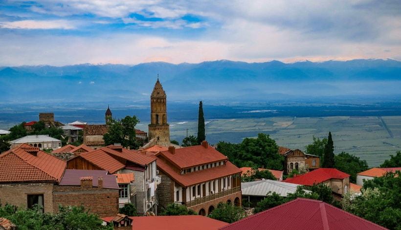 Вид на Алазанскую долину и город Сигнахи