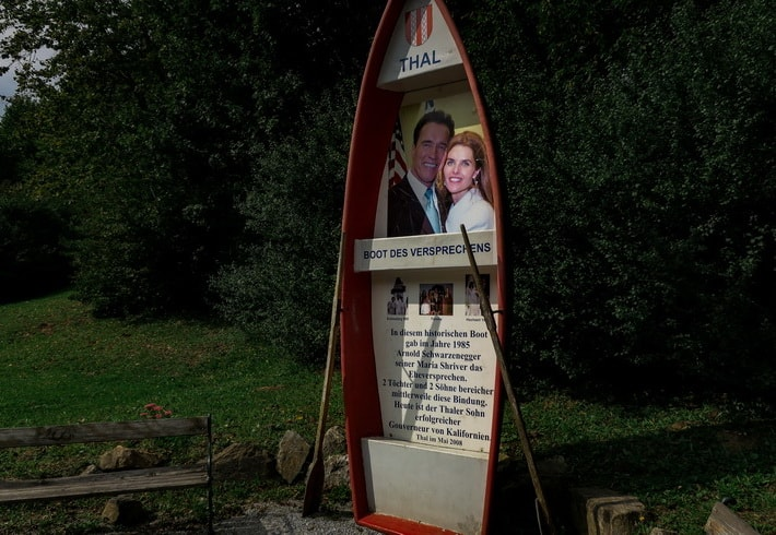 A boat, which Arnold has used to propose Maria Schriver