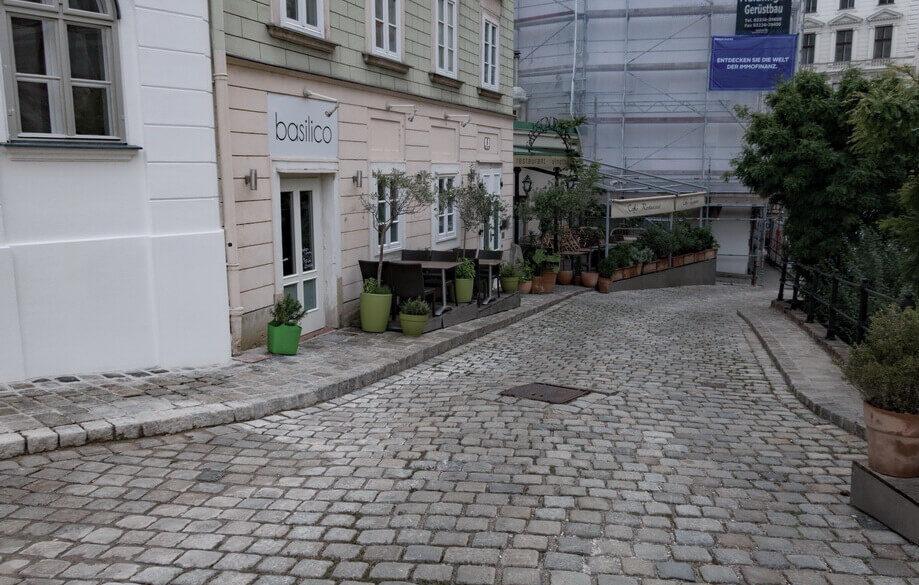BLOCK STONE STREET: Vienna, Austria
