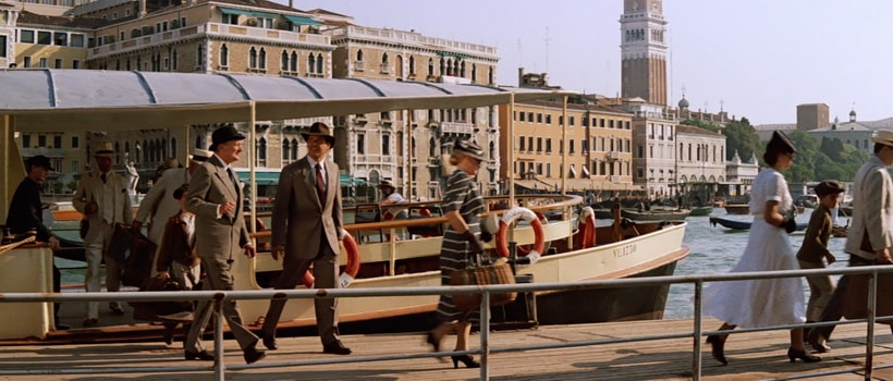 INDIANA JONES AND MARCUS ARRIVE IN VENICE. SALUTE PIER