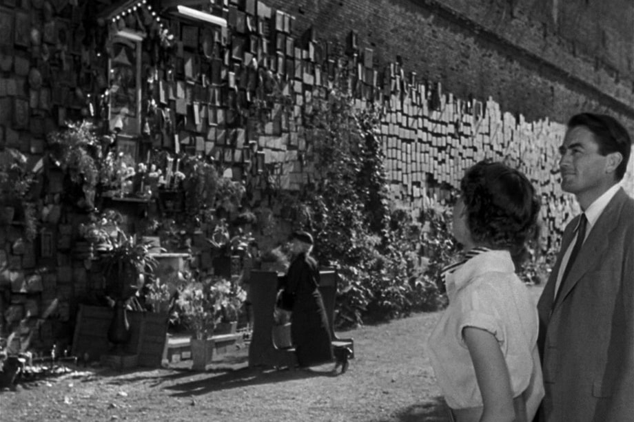 THE WALL OF WISHES Roman holiday