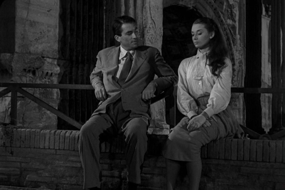 THE ROMAN FORUM. Audrey Hepburn and Gregory Peck