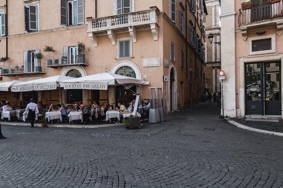 Via Dei Lorenesi alley, Piazza Navona Rome