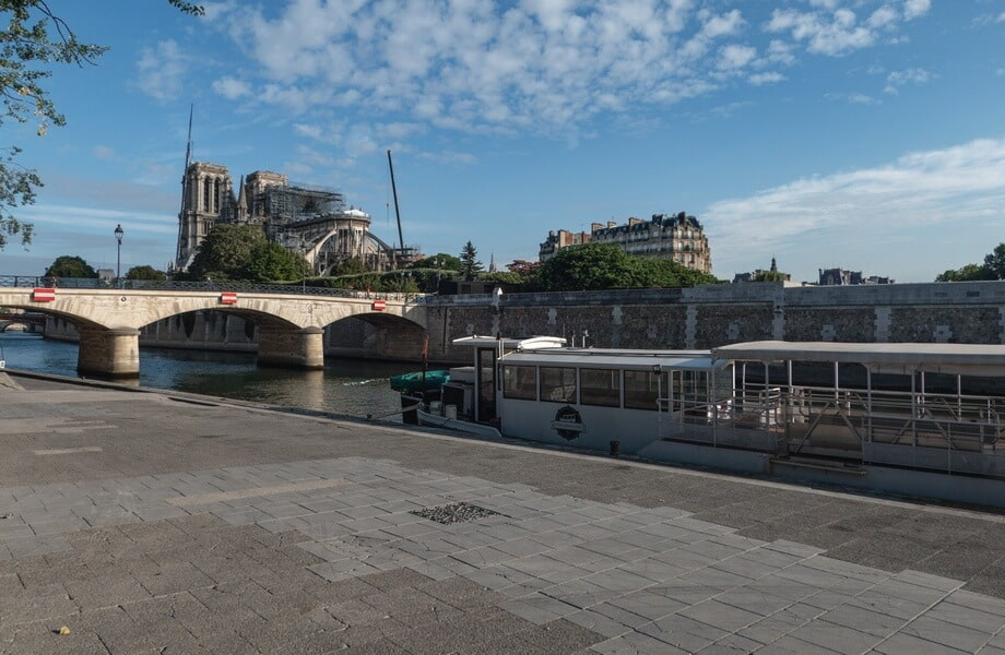 SEINE RIDE Paris