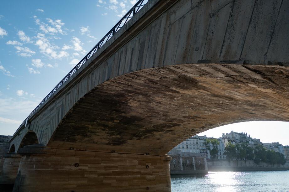 Ponte-de-la-Tournelle bridge in Paris