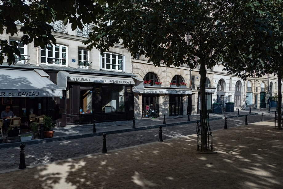 'Place Dauphine' Paris locations