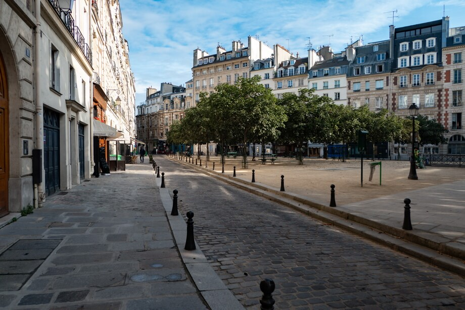 'Place Dauphine' Midnight in Paris filming locations