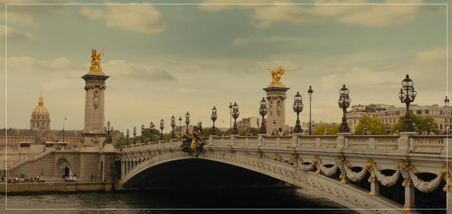 PONT ALEXANDRE III beidge, Paris and Emilia Clarke