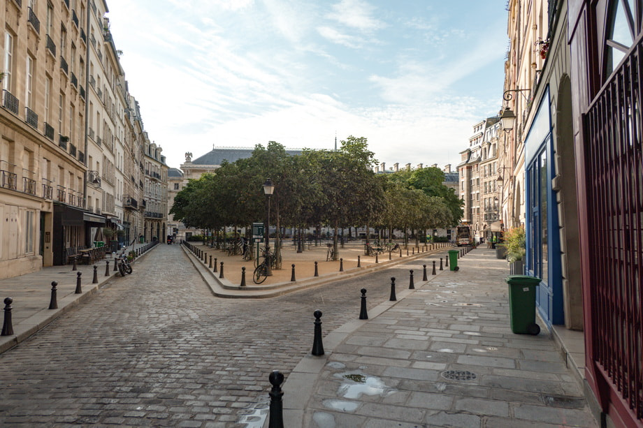 'Place Dauphine' Paris