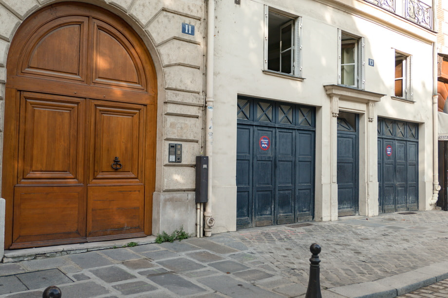 'Place Dauphine' and Paul restaurant: Me before you Paris
