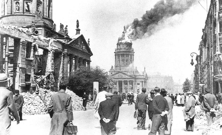 'Gendarmenmarkt' square in Berlin, 1944